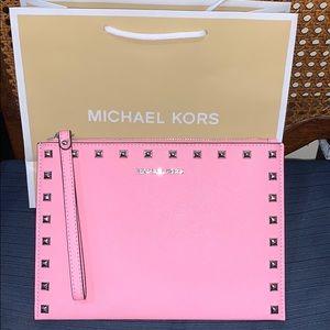 Authentic Michael Kors XL Zip Clutch Wristlet